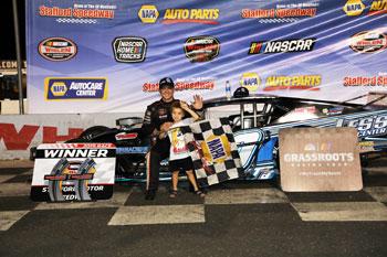 Stafford Speedway 9-20-19-Stafford Speedway 9-20-19 winner Zack Robinson
